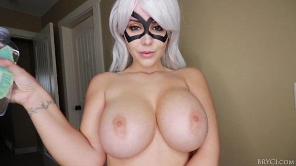 Photo of El cosplay xxx de la tetona Bryci – Catwoman porno