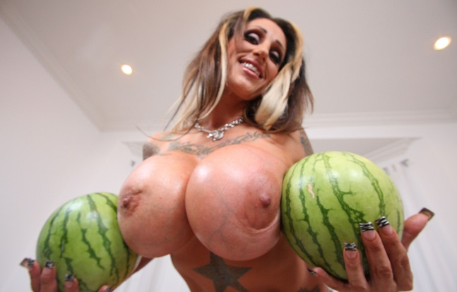 Photo of Tetas mas grandes que una Sandia (fotos)
