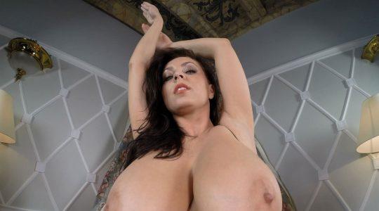 tetona Ewa Sonnet desnuda