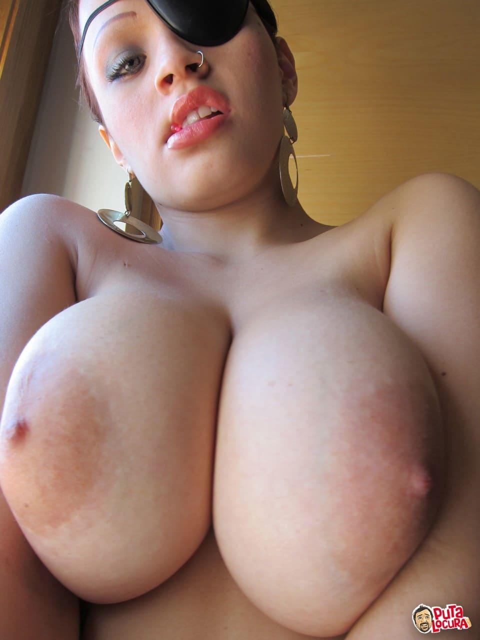 fotos porno tetona Karla Pirata