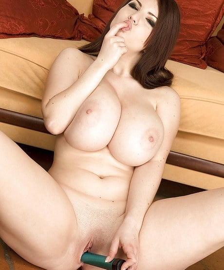 Karina Hart desnuda